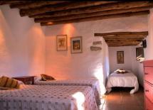 Dormitorio con 3 individuales en planta baja